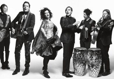 Arcade Fire tunean su último vídeo para reírse de ellos mismos