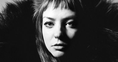 "Angel Olsen presenta ""Alive and Dying (Waving, Smiling)"""
