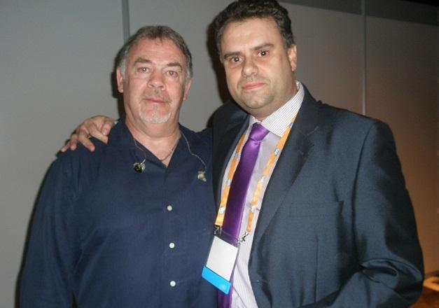 Abel Fuentes con Bob Siebenberg de Supertramp