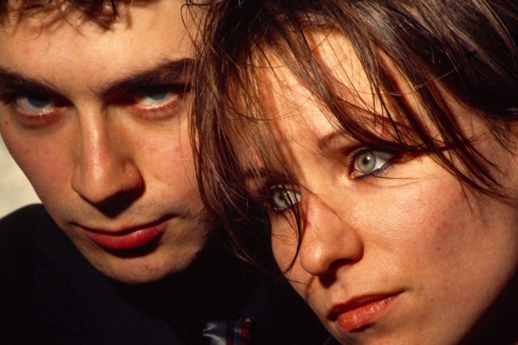 Justin y Annie Holland en aquel movido 1995
