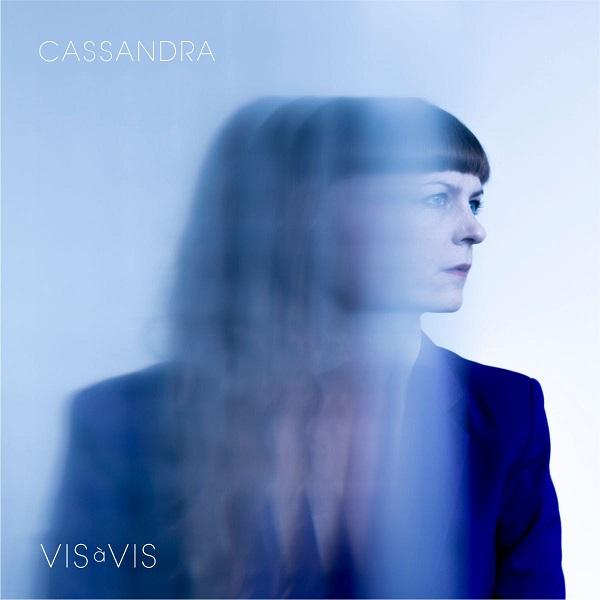 Vis à Vis portada Cassandra